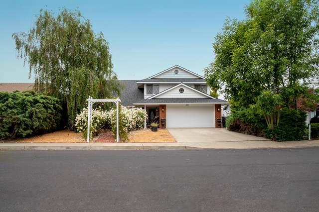 301 Huntington Pl, Lompoc, CA 93436 (MLS #21-2086) :: Chris Gregoire & Chad Beuoy Real Estate
