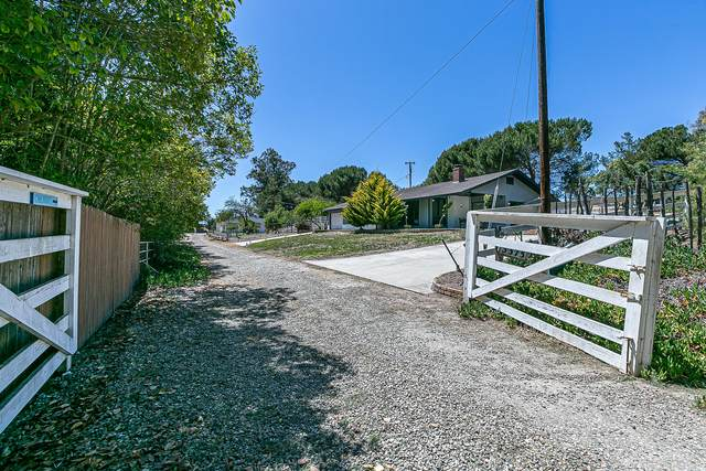 5375 Campbell Rd, Lompoc, CA 93436 (MLS #21-2744) :: Chris Gregoire & Chad Beuoy Real Estate