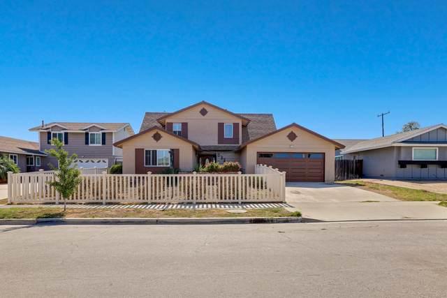 833 Phoenix Ave, Ventura, CA 93004 (MLS #21-3474) :: The Epstein Partners