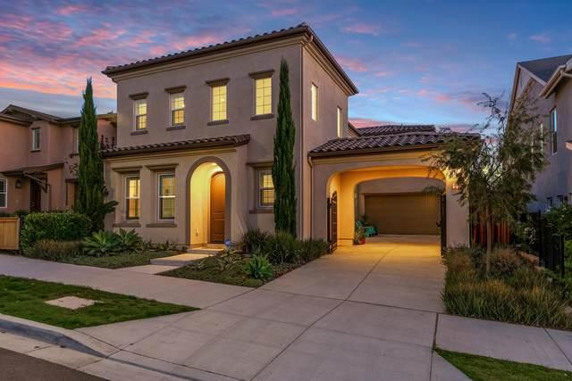 302 Chickasaw St, Ventura, CA 93001 (MLS #21-3813) :: The Epstein Partners