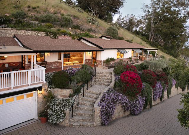 1704 Mission Ridge Rd, Santa Barbara, CA 93103 (MLS #19-1296) :: The Zia Group
