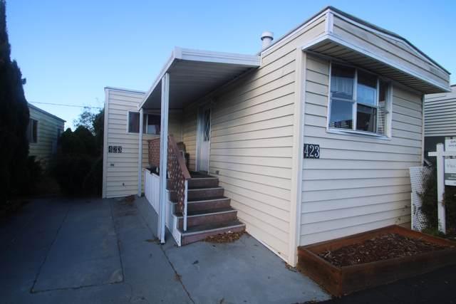 7465 Hollister Ave #423, Goleta, CA 93117 (MLS #20-4686) :: Chris Gregoire & Chad Beuoy Real Estate