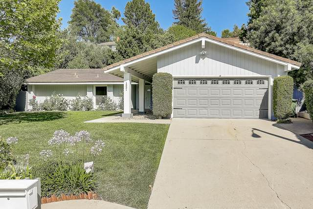 1531 Briarglen Ave, Thousand Oaks, CA 91361 (MLS #20-3616) :: Chris Gregoire & Chad Beuoy Real Estate