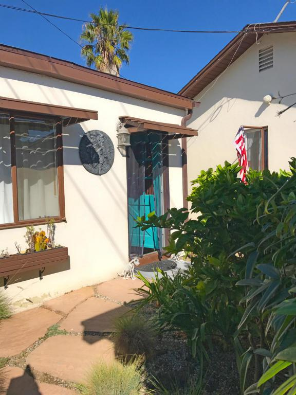 401 1/2 Old Coast Hwy, Santa Barbara, CA 93103 (MLS #17-3478) :: The Zia Group
