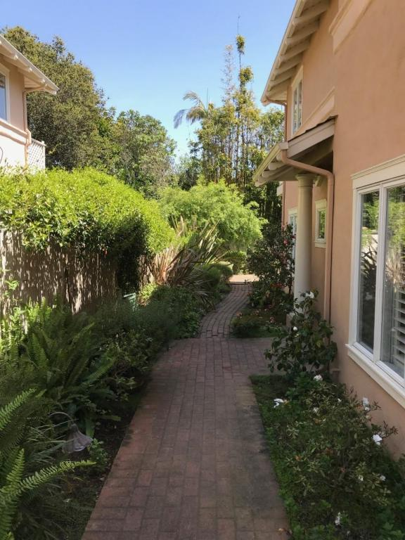 1317 Danielson Rd, Montecito, CA 93108 (MLS #18-1256) :: The Epstein Partners