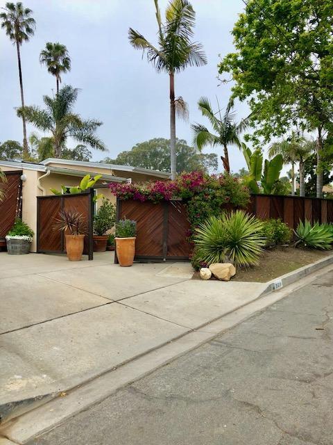 201 Cooper Rd, Santa Barbara, CA 93109 (MLS #18-1337) :: The Epstein Partners