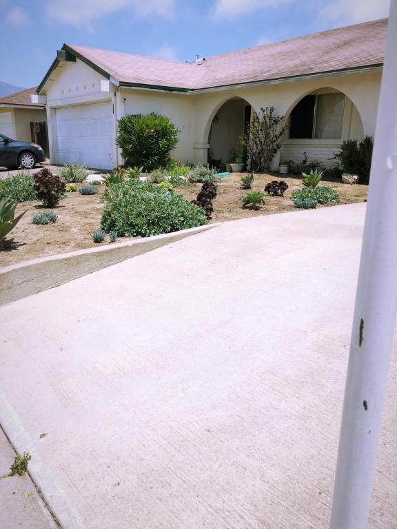 758 Via Miguel, Santa Barbara, CA 93111 (MLS #18-2276) :: The Zia Group