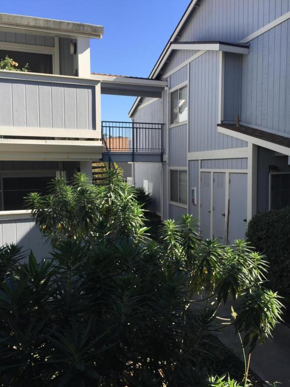 405 Camino Del Remedio E, Santa Barbara, CA 93110 (MLS #18-552) :: The Epstein Partners