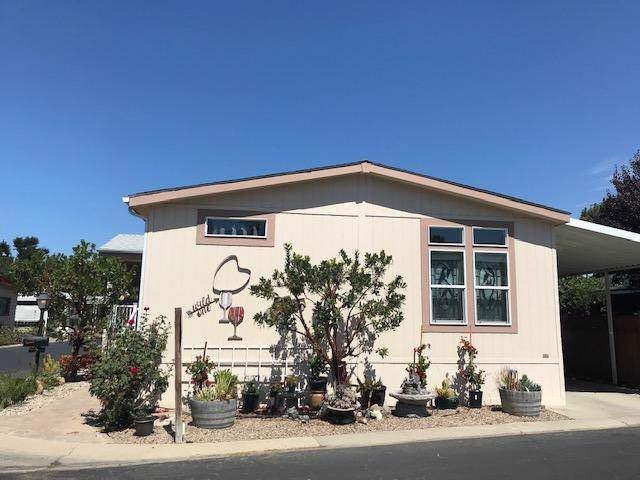 19 Paseo Del Rio, Solvang, CA 93463 (MLS #19-3320) :: The Zia Group