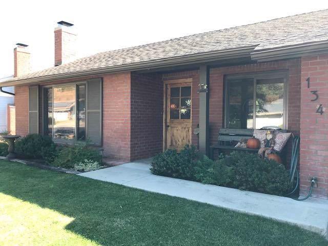 134 Manzanita Dr, Solvang, CA 93463 (MLS #19-3898) :: Chris Gregoire & Chad Beuoy Real Estate