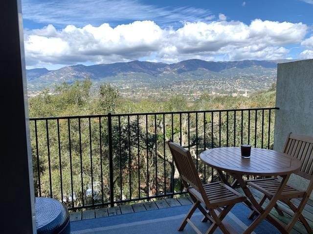 1054 Miramonte Dr #4, Santa Barbara, CA 93109 (MLS #RN-15641) :: The Zia Group