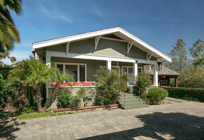 320 W Ortega St B, Santa Barbara, CA 93101 (MLS #17-1260) :: The Zia Group