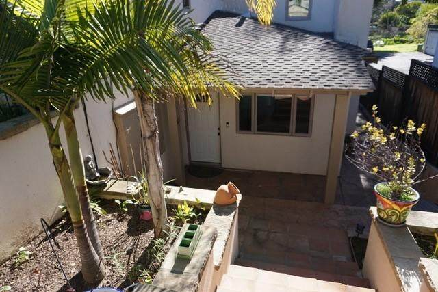 1611 Castillo St, Santa Barbara, CA 93101 (MLS #20-1553) :: Chris Gregoire & Chad Beuoy Real Estate