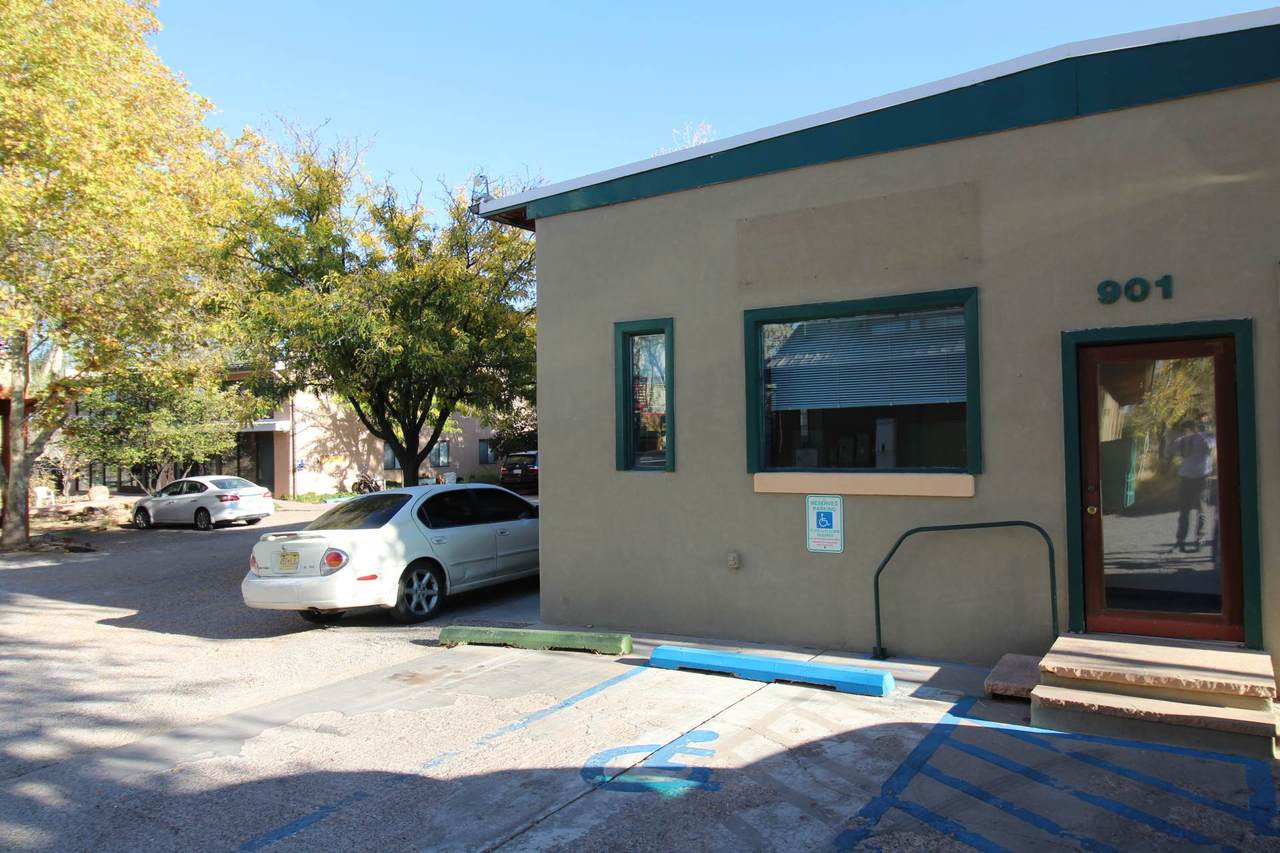 901 San Mateo - Photo 1
