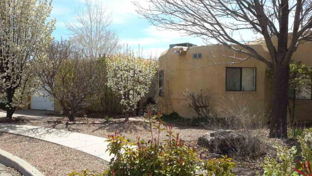 2440 Calle Amelia, Santa Fe, NM 87505 (MLS #201501307) :: The Bigelow Team / Realty One of New Mexico