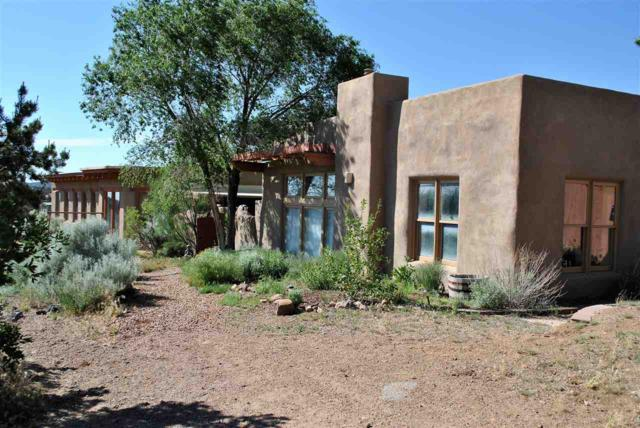 48 Camino Valle, Santa Fe, NM 87508 (MLS #201704762) :: The Desmond Group