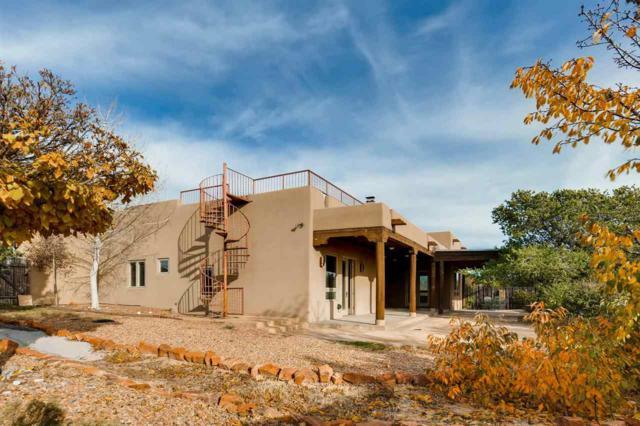 85 Calle Francisca, Santa Fe, NM 87507 (MLS #201705379) :: Deborah Cox & Associates