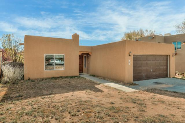 1926 Morris Place, Santa Fe, NM 87505 (MLS #201705380) :: Deborah Cox & Associates