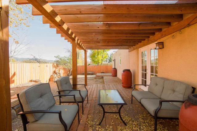 109 San Salvador, Santa Fe, NM 87501 (MLS #201705389) :: Deborah Cox & Associates
