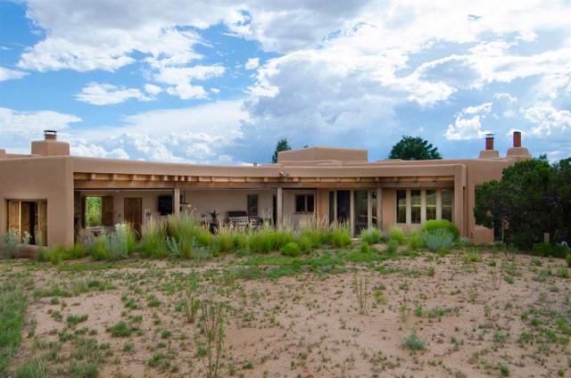 19 Via Pampa, Santa Fe, NM 87506 (MLS #201705396) :: Deborah Cox & Associates