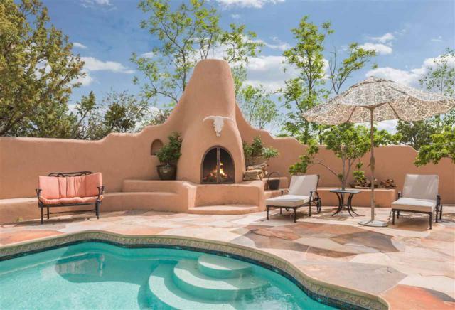 2037 Calle Lejano, Santa Fe, NM 87501 (MLS #201705595) :: DeVito & Desmond