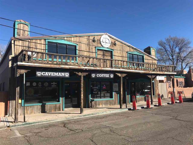 411 W Water Street, Santa Fe, NM 87501 (MLS #201705632) :: DeVito & Desmond