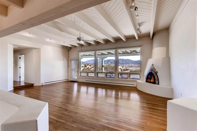 402 Graham Avenue, Santa Fe, NM 87501 (MLS #201705637) :: DeVito & Desmond