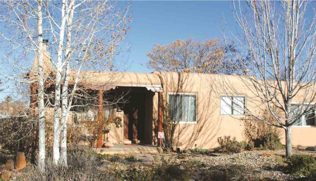 1937 Hopi, Santa Fe, NM 87505 (MLS #201705641) :: The Desmond Group