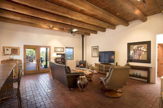 33 Black Canyon, Santa Fe, NM 87508 (MLS #201800565) :: The Very Best of Santa Fe