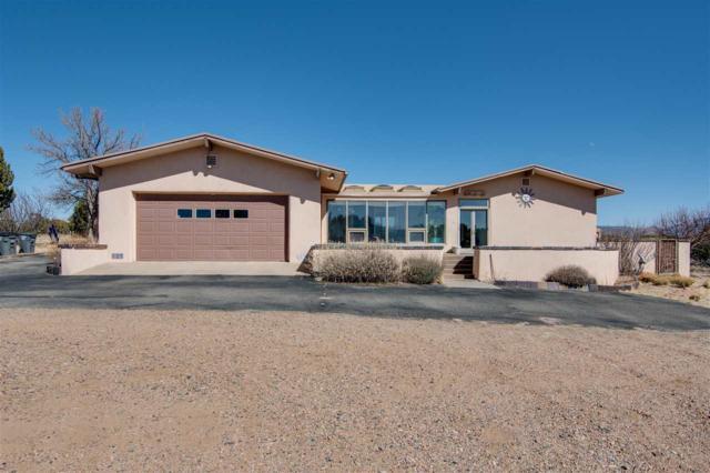 46 Calle Sinsonte, Santa Fe, NM 87507 (MLS #201800760) :: The Desmond Group