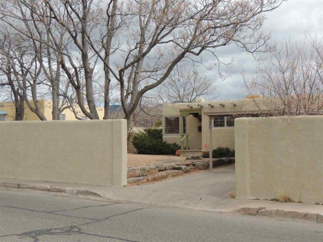 906 Rio Vista, Santa Fe, NM 87501 (MLS #201800987) :: The Desmond Group