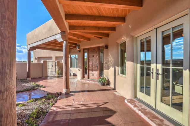 6 Calle Las Casas, Santa Fe, NM 87505 (MLS #201801931) :: The Desmond Group