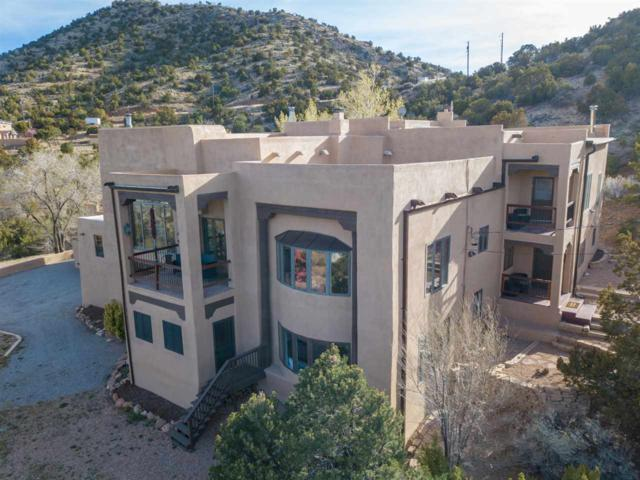 28 Vista De Luna, Santa Fe, NM 87508 (MLS #201802048) :: The Desmond Group