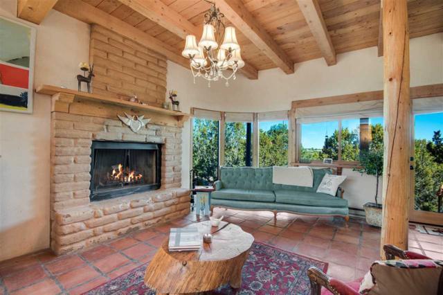 246 Camino Tres Arroyos, Santa Fe, NM 87507 (MLS #201802268) :: The Very Best of Santa Fe