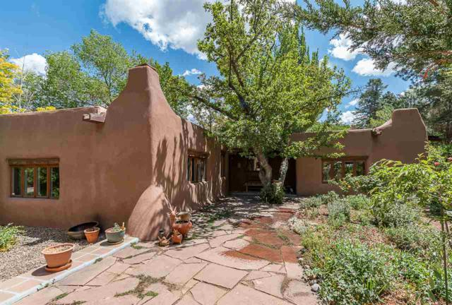 459 Camino Manzano, Santa Fe, NM 87505 (MLS #201802277) :: The Very Best of Santa Fe