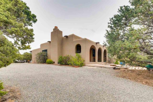 2 Ute Circle, Santa Fe, NM 87505 (MLS #201802279) :: The Very Best of Santa Fe