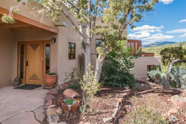 1061 Camino Manana, Santa Fe, NM 87501 (MLS #201802286) :: The Desmond Group