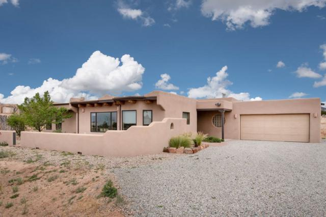 22 Valencia Loop, Santa Fe, NM 87508 (MLS #201802393) :: The Desmond Group