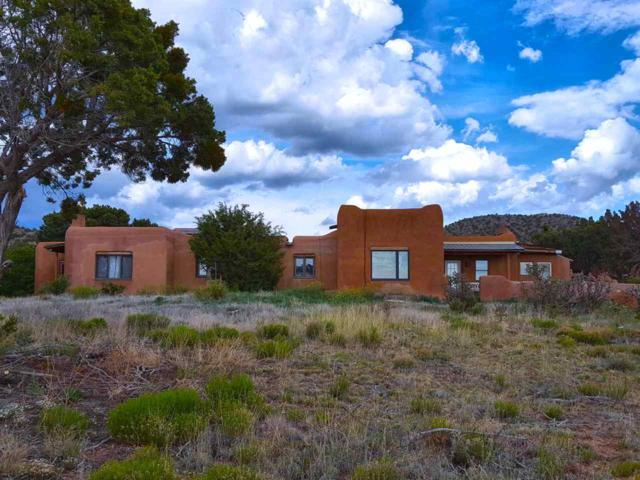 157 Nine Mile Rd, Santa Fe, NM 87508 (MLS #201802612) :: The Desmond Group