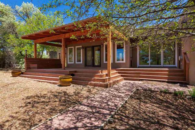 2246 Calle Cacique, Santa Fe, NM 87505 (MLS #201802715) :: The Desmond Group