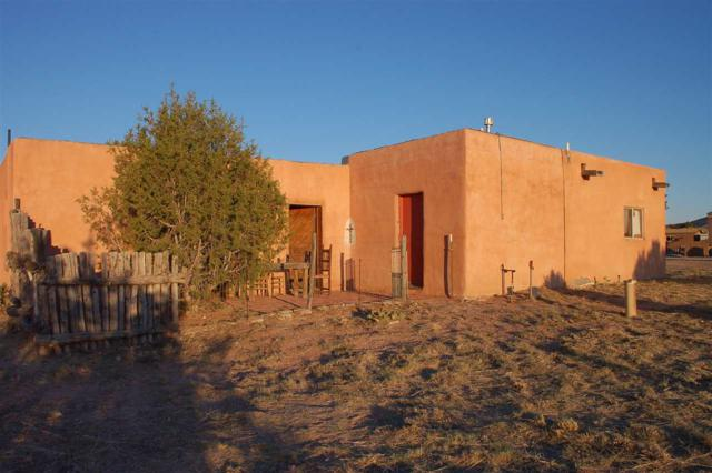 13 Los Amigos, Espanola, NM 87532 (MLS #201802939) :: The Desmond Group