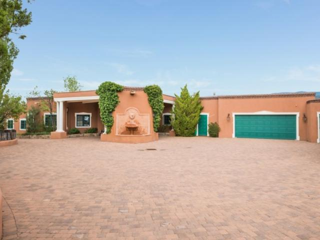38 Circle Drive Compound, Santa Fe, NM 87501 (MLS #201803629) :: The Very Best of Santa Fe