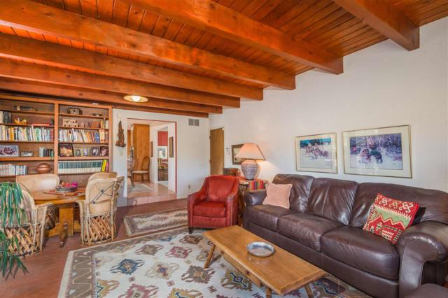 208 Calle Petaca, Santa Fe, NM 87505 (MLS #201803793) :: The Desmond Group