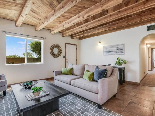 4 Chamisa Dr South, Santa Fe, NM 87508 (MLS #201804209) :: The Desmond Group