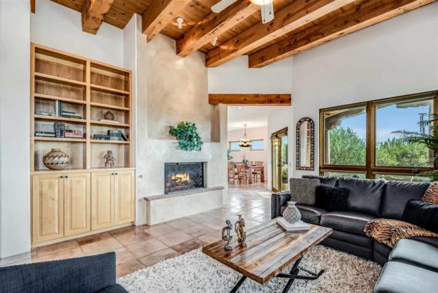 15 Arroyo Ridge, Santa Fe, NM 87508 (MLS #201804759) :: The Very Best of Santa Fe