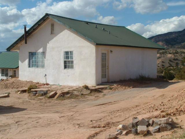 152 Apache Trl, Abiquiu, NM 87510 (MLS #201804910) :: The Bigelow Team / Realty One of New Mexico