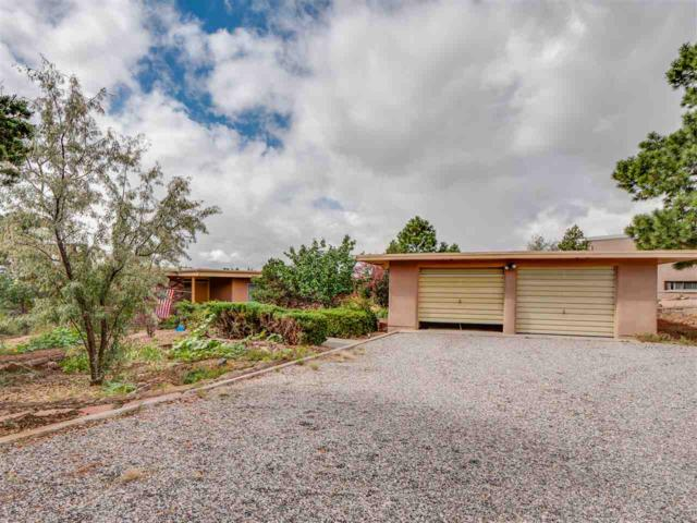 65 Obsidian Loop, Los Alamos, NM 87544 (MLS #201804937) :: The Desmond Group