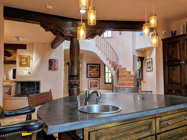 152A Arroyo Hondo Road, Santa Fe, NM 87508 (MLS #201805005) :: The Desmond Group