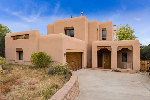 1747 Ridge Pointe Loop, Santa Fe, NM 87506 (MLS #201805041) :: The Very Best of Santa Fe