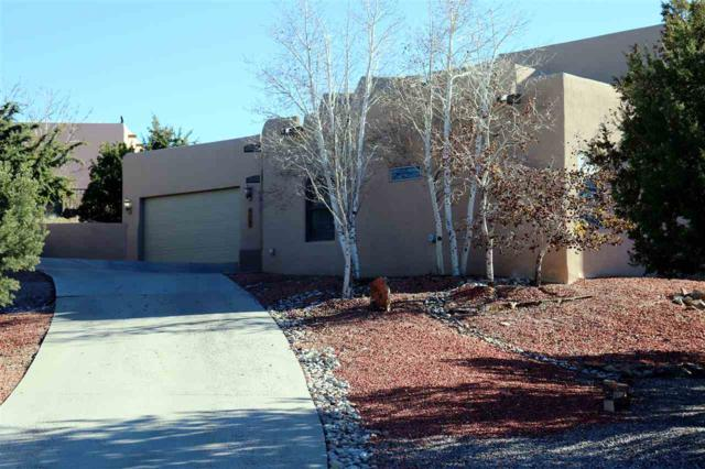 3016 Governor Lindsey, Santa Fe, NM 87505 (MLS #201805433) :: The Bigelow Team / Realty One of New Mexico